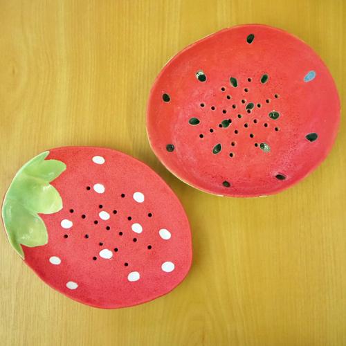 フルーツ穴あき皿 (変形皿)