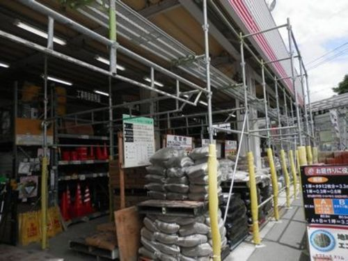加東市のホームセンターでのハト対策工事