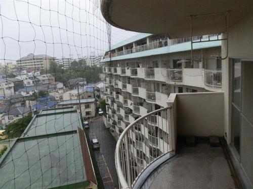 神戸市長田区のマンションでネット張り