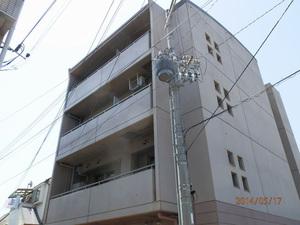 神戸市内にあるマンションでのはと対策工事です。