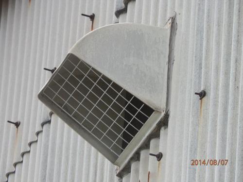 明石市内にある工場でのはと対策工事です。