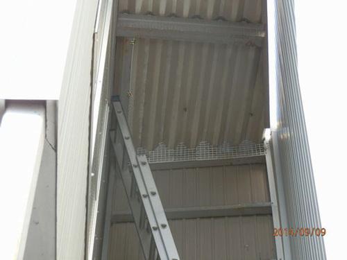 加西市内にある工場でのはと対策工事です。