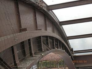 加東市にある県の庁舎のはと対策工事です。