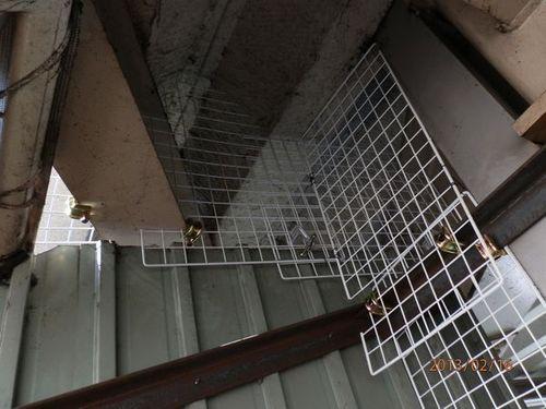 工場のハト侵入口塞ぎ工事です。