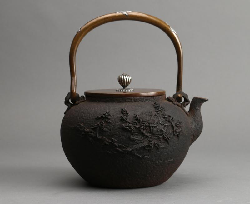日本亀文堂鉄瓶