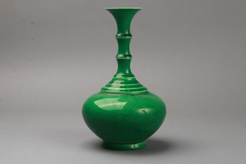 中国 大清乾隆年製 緑釉 花瓶