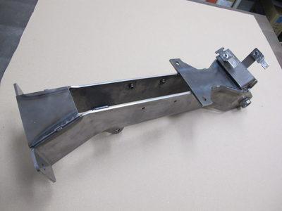 搬送装置用の支持ブラケット【完品溶接で仕上げの機械加工不要・簡易治具製作】