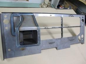 【分割構造に変更提案しコストダウンした薄板の溶接組立品】建設機械の車両用換気ダクト