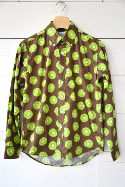 【Che-St (シャツ)】キウイ柄ボタンダウンシャツ