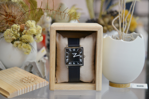 【VAGUE WATCH (時計)】Carré ( カレ ) - スクエア型クオーツ腕時計