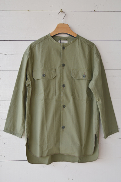 【RNA (トップス、ボトムス)】ミリタリーフィールドシャツジャケット