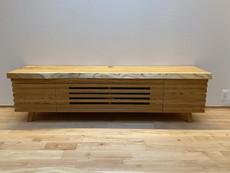 欅のテレビボードイメージ